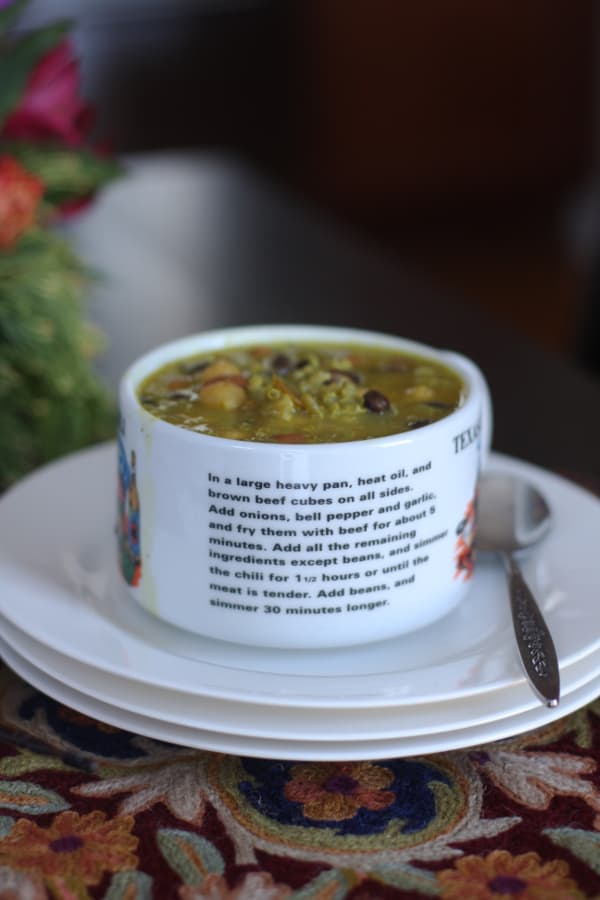 Vegan bean and quinoa chill