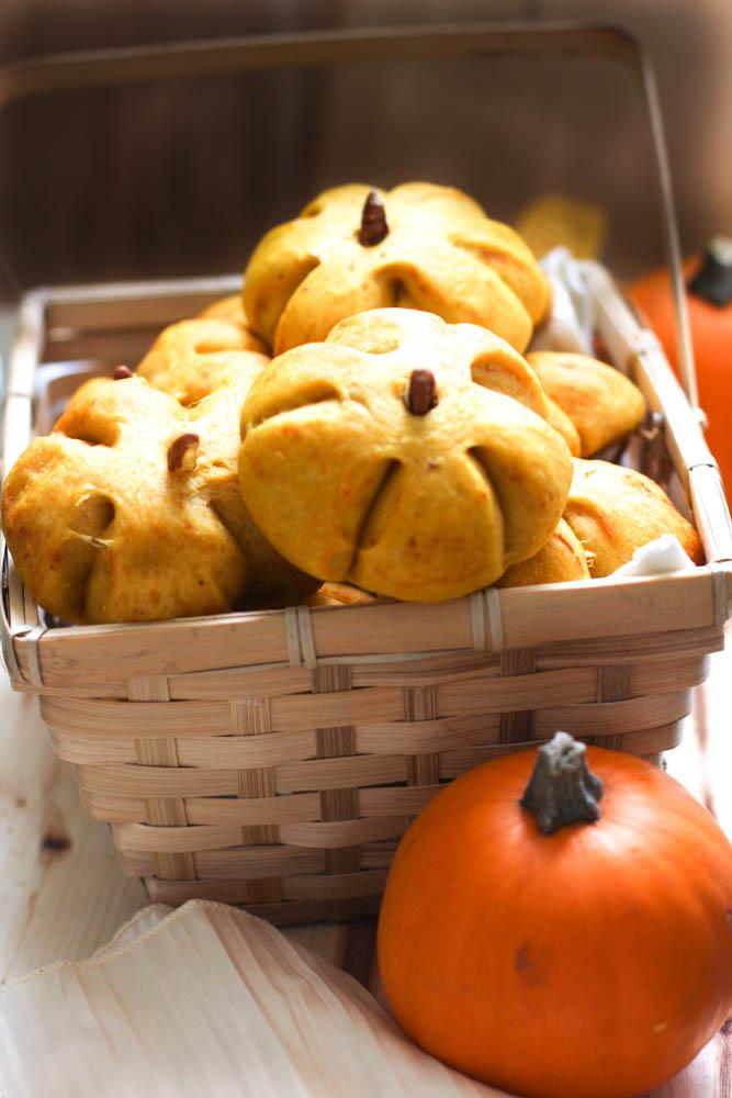 Pumpkin shaped Bread Rolls with pecans