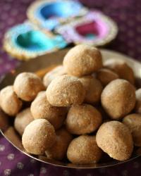 Magaz Ladoo - gram flour ladoos